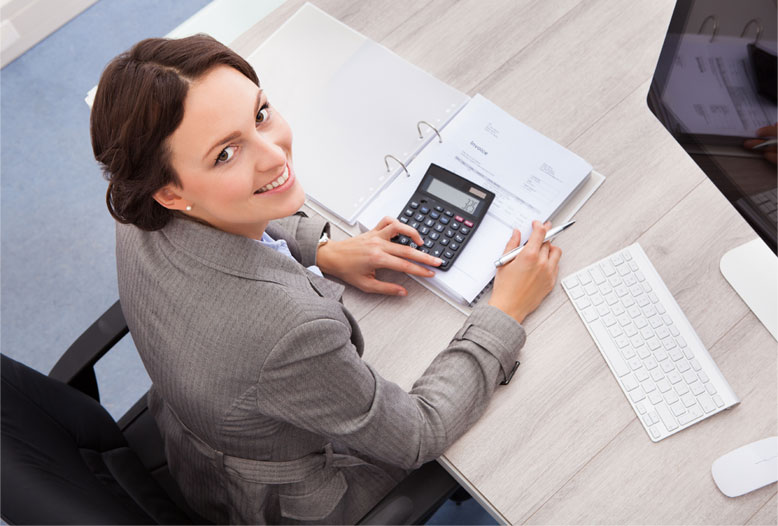 bookkeeping services Virginia woman smiling at camera