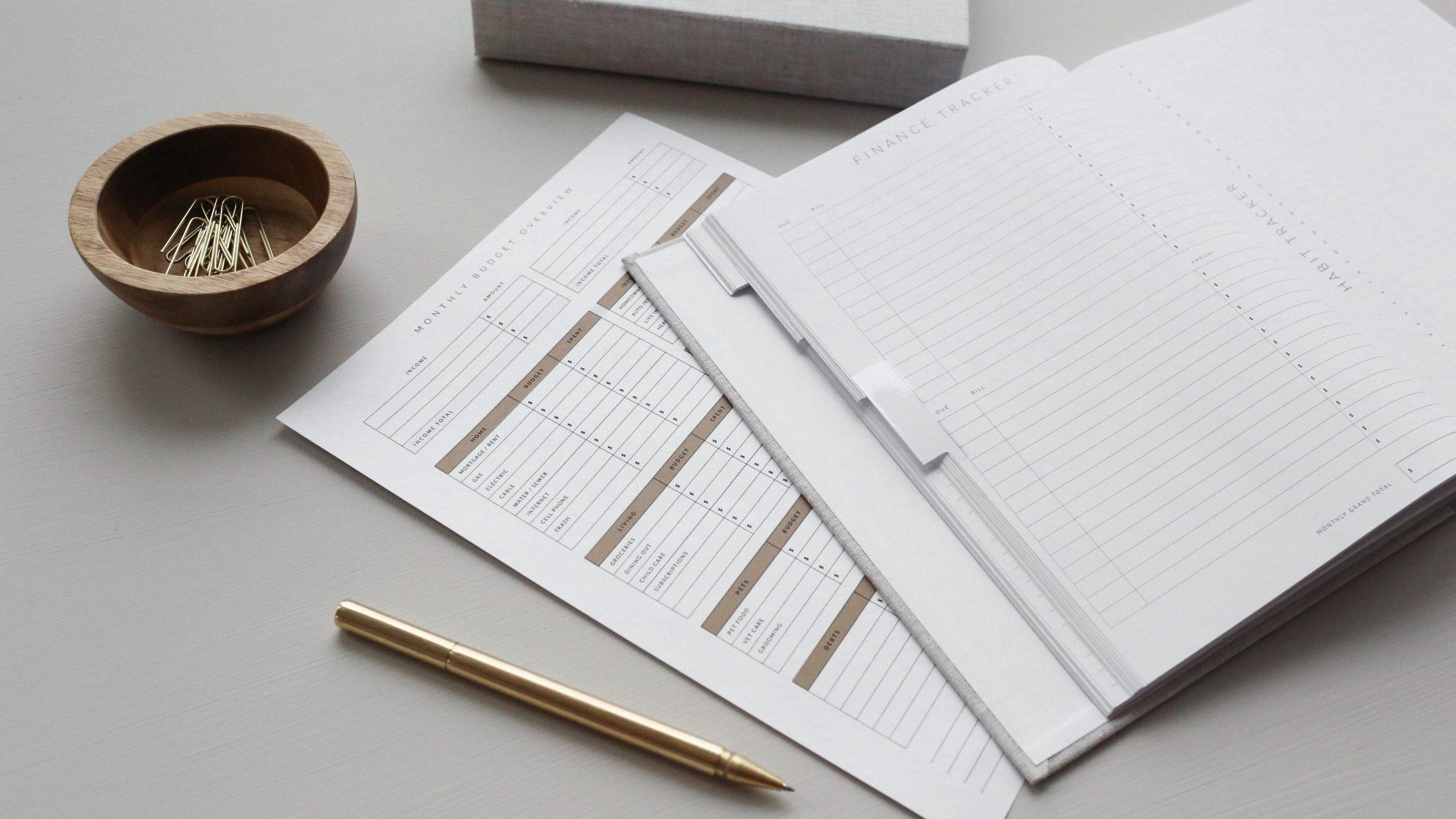 finacnial accountants brisbane documents on paper